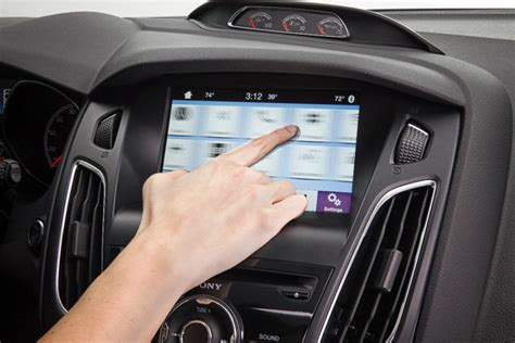 Ford Dumps Microsoft in Favor of BlackBerry to Power Car