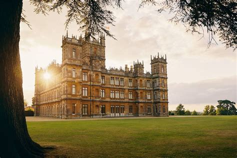 Downton Abbey castle to be listed on Airbnb for one-night