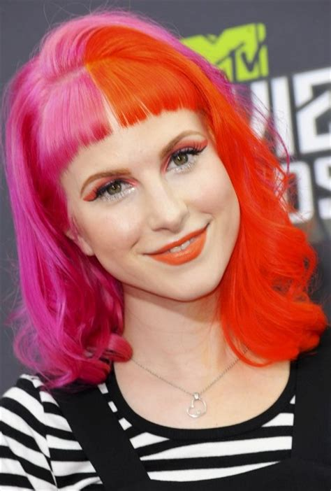 Hayley Williams Bra Size, Age, Weight, Height