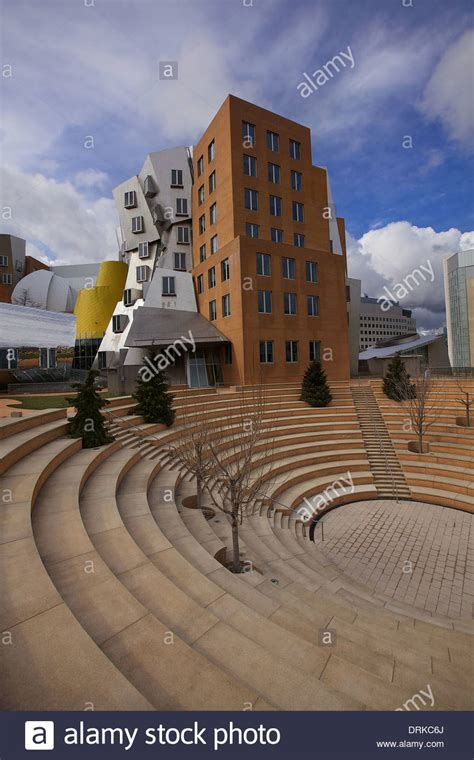 Frank Gehry Architecture of the Ray and Maria Stata Center