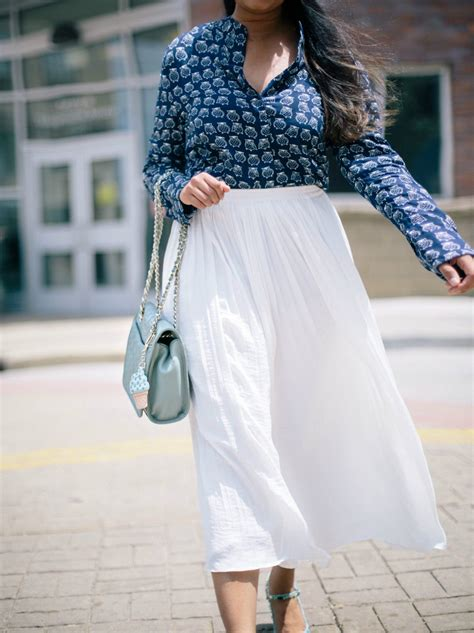 How to wear White Pleated Skirt- Dreaming Loud