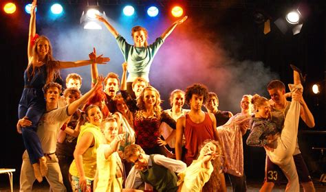Fame - The Musical! Review   Edinburgh Guide