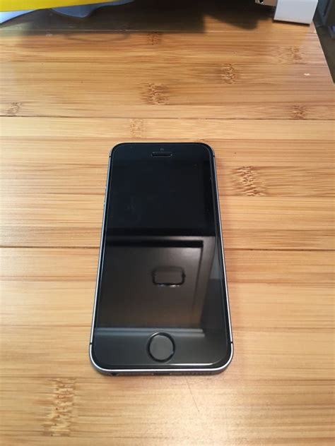 WTS: Apple iPhone SE 64GB Space Gray for sale