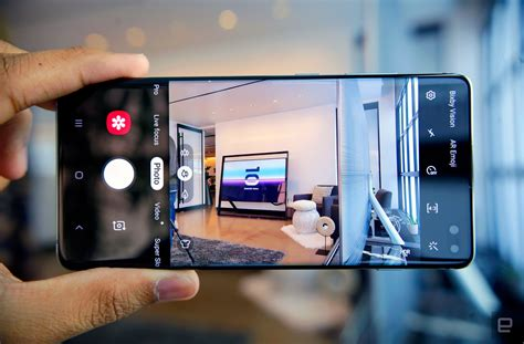 Samsung Galaxy S10 Hands-On Showcases Qualcomm's New