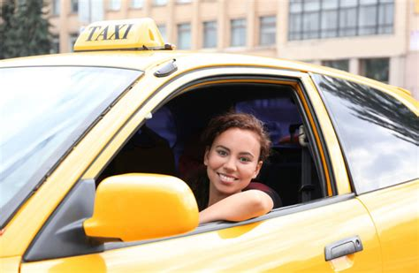 Spotlight: A female taxi driver gives us the down-low on